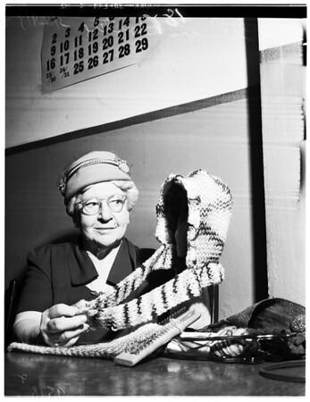 Knitter, 1952