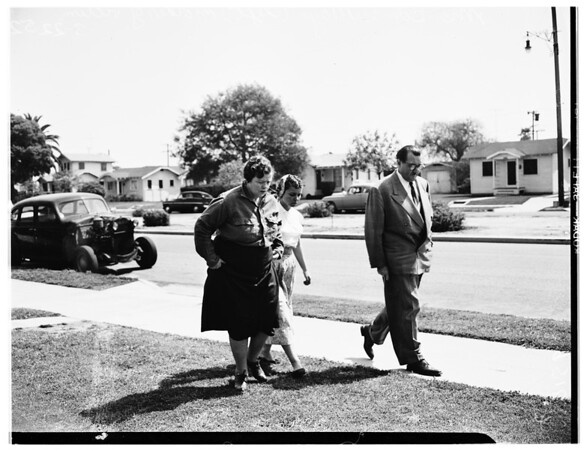Case parking lot murder (at home of relatives), 1952