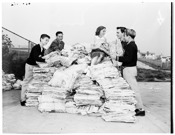 Dana Junior High School paper drive, 1952