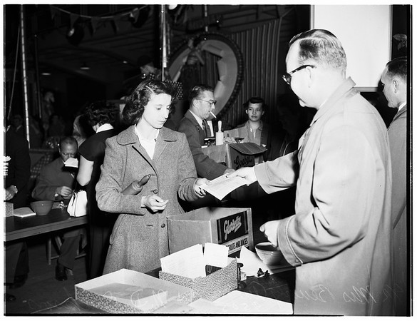 Orange show, San Bernardino ...Baking contest, 1952