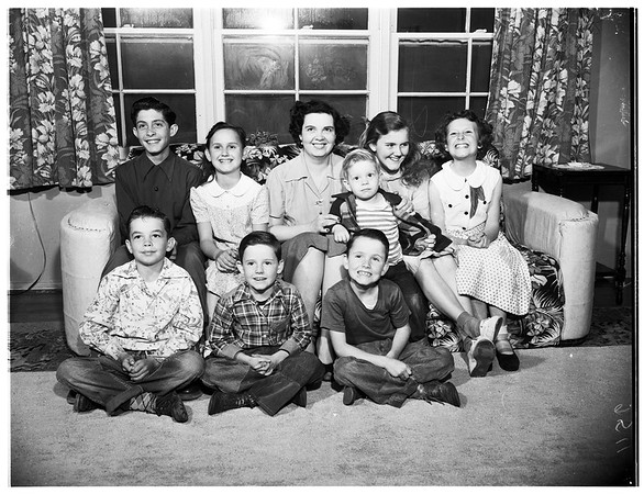 Mother of eight wants a suitor, 1952