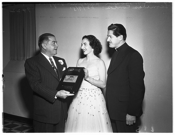 Hellenic-American youth benefit show and award, 1951