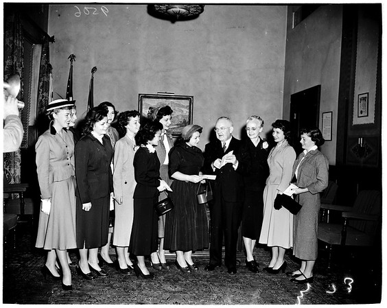Girls' Week group visits mayor, 1952