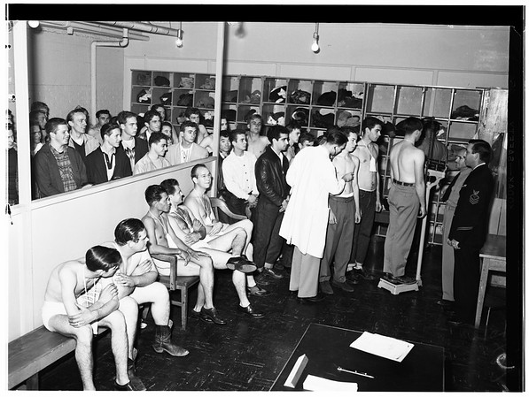 Navy enlistments, 1951