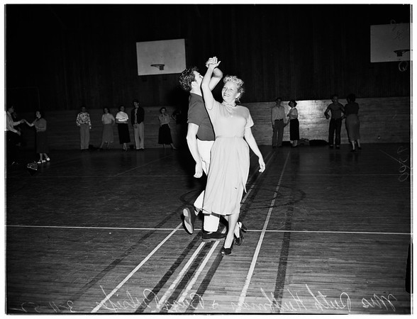 Compton College dance class, 1952