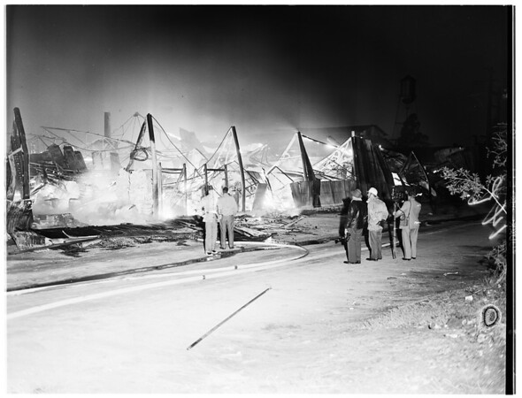 Hollydale pottery fire, 1952
