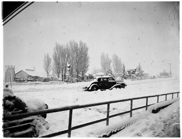 Blizzard on Ridge Route, 1952
