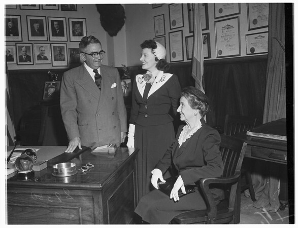 Los Angeles Advertising Women's Club in Biscailuz's Office, 1951