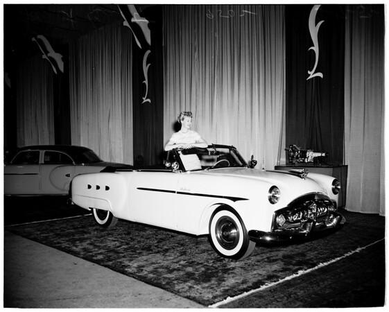 Automobile show at Pan-Pacific Auditorium, 1952
