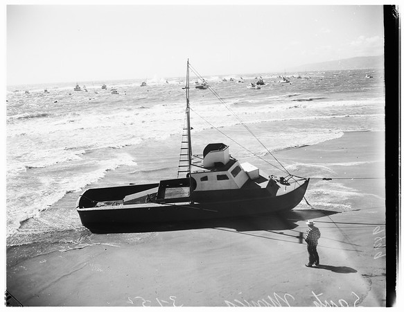 Santa Monica high winds (beach), 1952