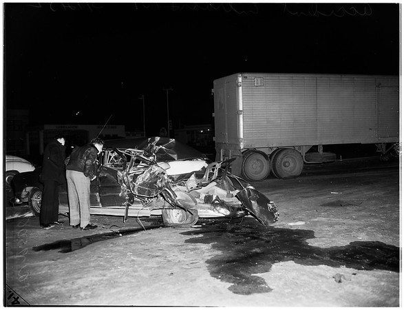 Accident at Entrada Drive and 101 West Pacific Coast Highway, 1952