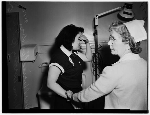 Murder attempt at hotel, 1952