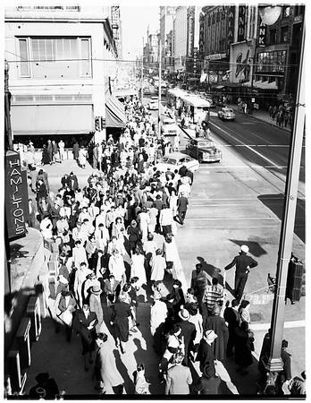 Downtown crowds, 1951
