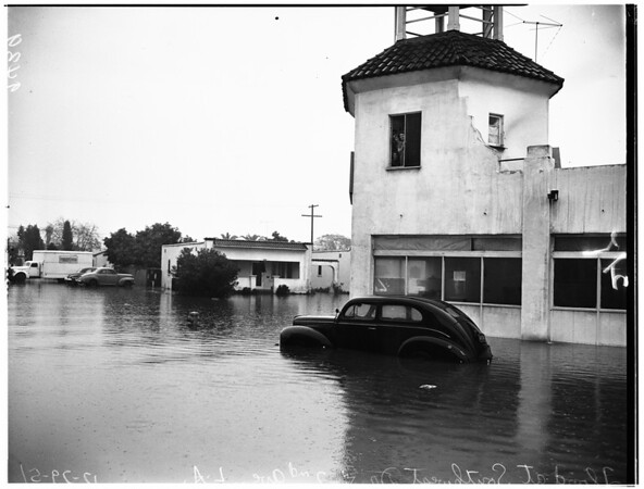 Leimert Park area flood pictures, 1951