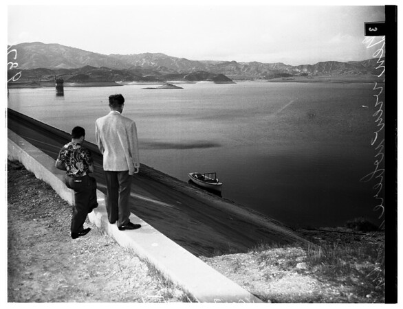Dead body in reservoir, 1951