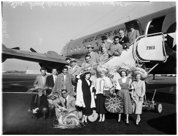 Stars arrive at Burbank Airport, 1952