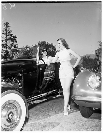 Hot rod show at Pasadena, 1952