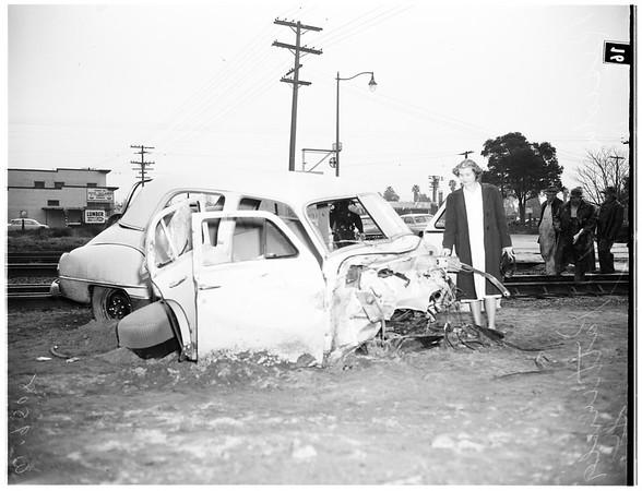 Auto versus train (Reseda Boulevard and Parthenia Street, Northridge), 1952