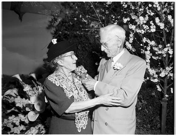 Old married couples at International Flower Show, 1952