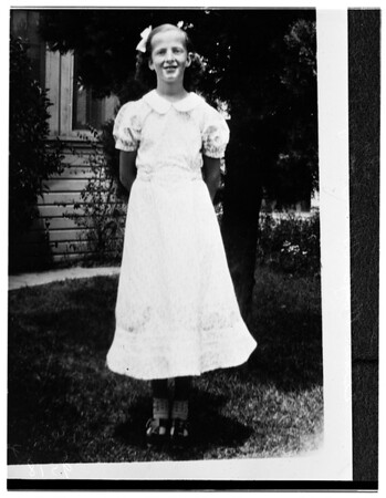 Copy of Esther Huber (Case parking lot murder victim), 1952