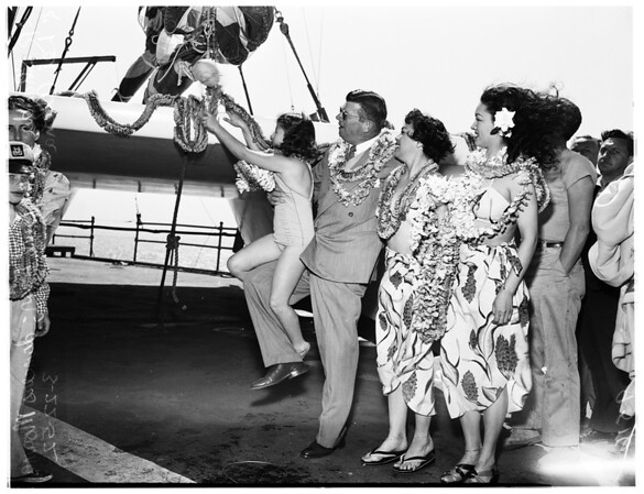 Cabin catamaran launched (Santa Monica pier), 1952