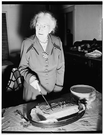 83rd birthday party, 1952