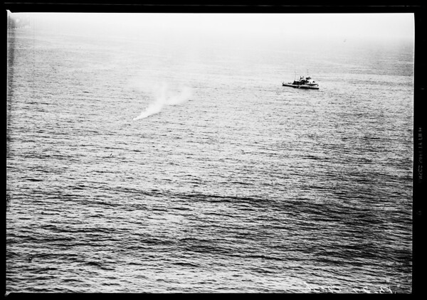 B-29 plane crashes in sea, 1952.
