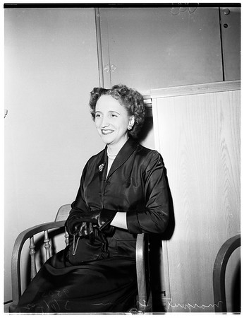 "President's daughter ""Meets the Press"" at Greater Los Angeles Press Club at Ambassador Hotel, 1952"