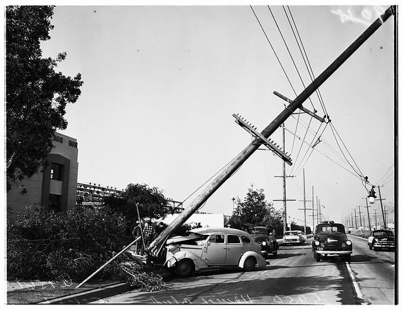 Auto hits pole at 5950 Venice Boulevard, 1952.