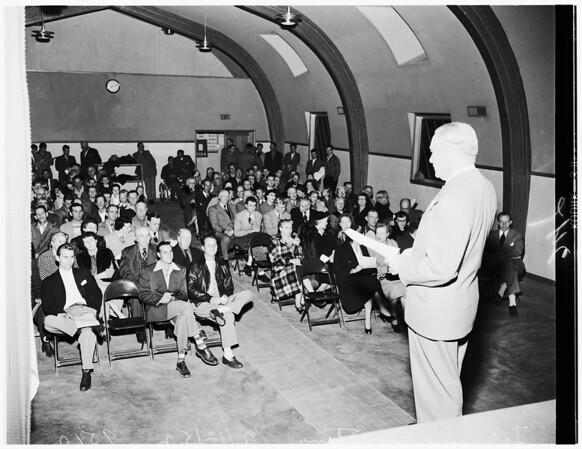 Tarzana condemnation meeting at Granada Hills, 1952