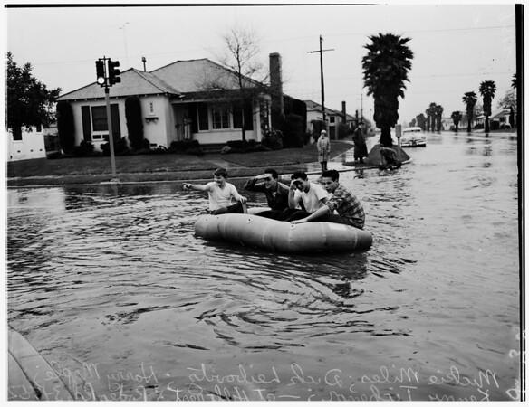 Kids in raft (Rodeo Road near Crenshaw Boulevard and La Brea Avenue), 1952