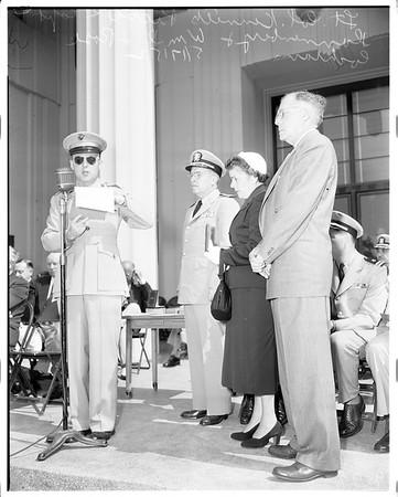Posthumous awards in Long Beach, 1952