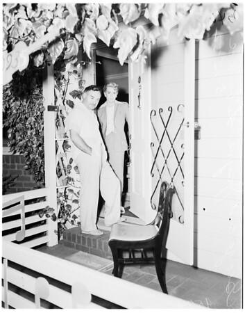 George Liberace's home burglarized (10935 Hartsook Avenue, North Hollywood), 1952