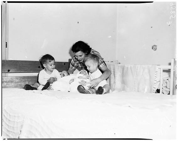Grandmother raises family, 1952