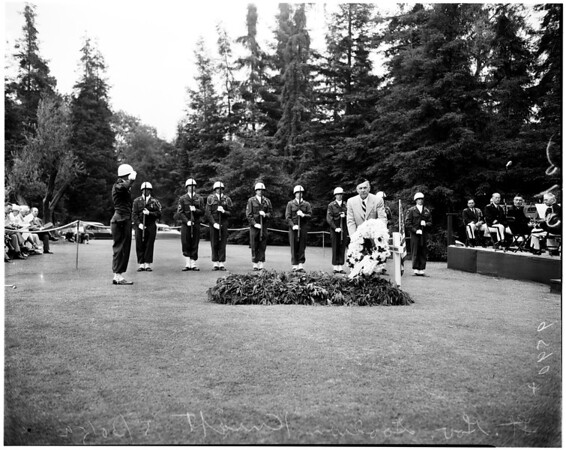 Memorial Day services ... Glendale and Forest Lawn, 1952