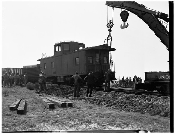 Accidents -- train, 1952