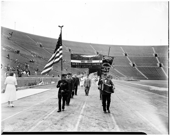 Memorial Day services (Coliseum), 1952