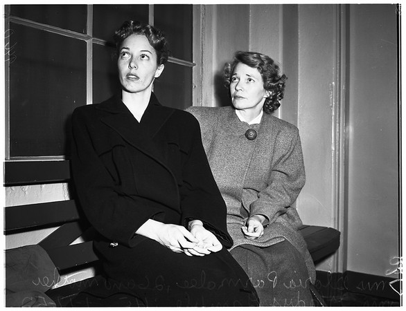Women versus cops-crime-fight, 1952