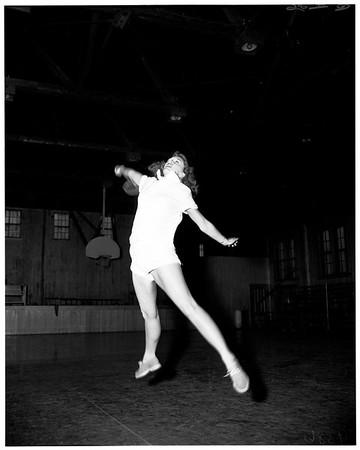 Laverne College badminton, 1952