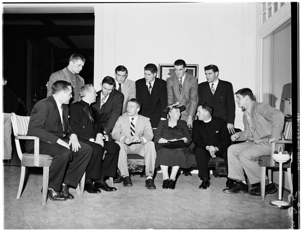 Brunch for Notre Dame team (football) at Los Angeles Country Club, 1951