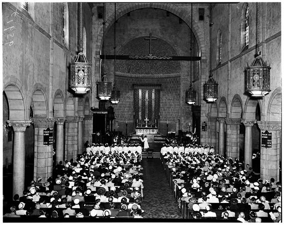Nurses commencement at Saint Paul's Cathedral, Bishop Johnson College of Nursing of Good Samaritan Hospital, 1952
