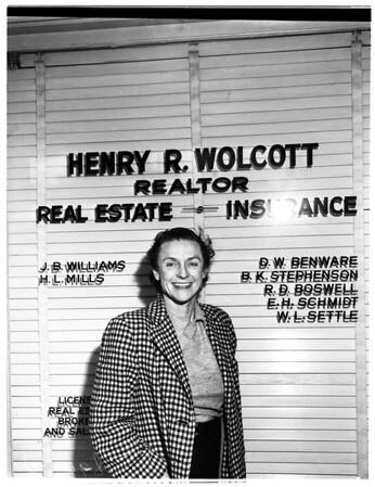 Mrs. Elizabeth Schmidt, granddaughter of Henry E. Huntington, 1951