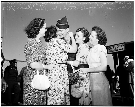 Some of Fortieth returning from Korea, via Seattle, 1952.