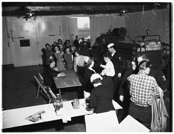 Typhoid innoculations, Los Alamitos, 1952