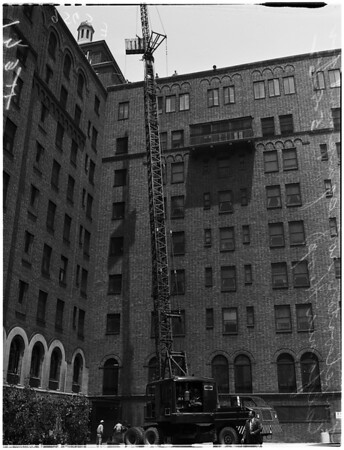 New elevator roof equipment on California Hospital, 1952