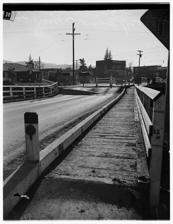 Van Nuys bridge out, 1952