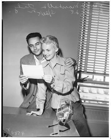 Marion Marshall gets wedding license, 1952