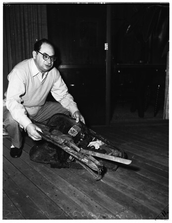 $50,000 Stradivarius recovered, 1952