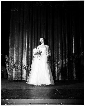 """Miss Welcome to Long Beach"" contest winner (Long Beach Municipal Auditorium), 1952"