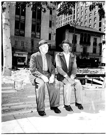 Boys back to Pershing Square, 1952